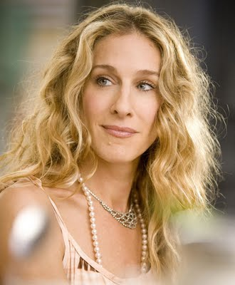 Carrie Bradshaw and Her Pearl - carrie_bradshaw_wears_pearl