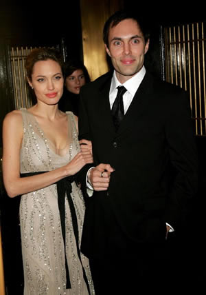 Today, for tribute to her mother, Angelina Jolie and her brother James Haven