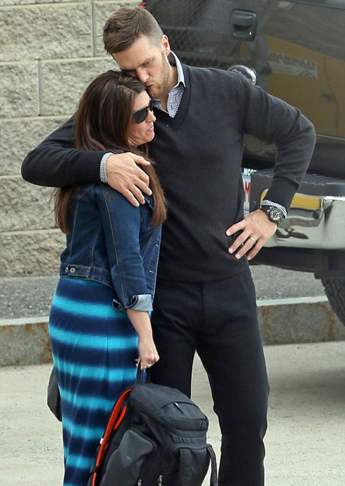 Tom Brady hug his sister, Nancy