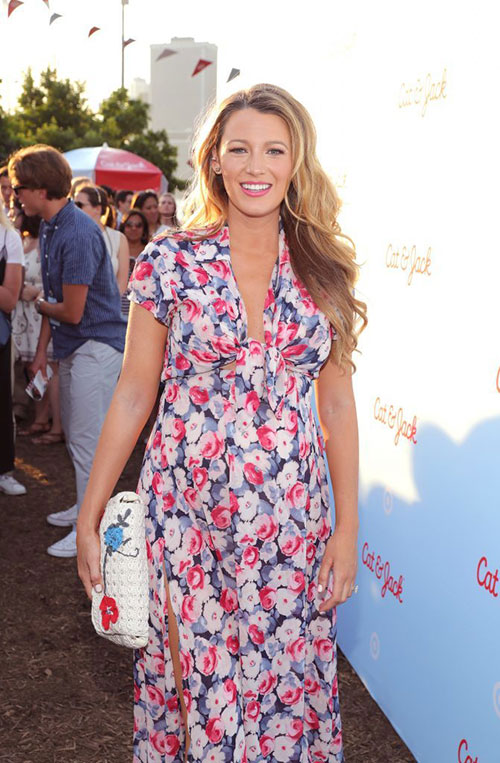 Blake_Lively_at_Outdoor_Fun_Event-