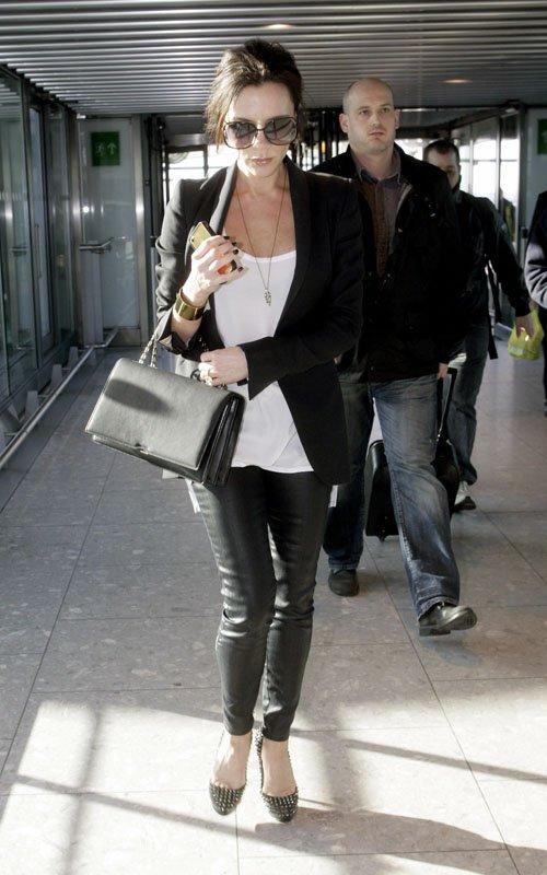 Victoria-Beckham_Baby_Bump4_1