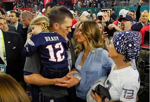 Tom_Brady_dedicated_To_Mom_1