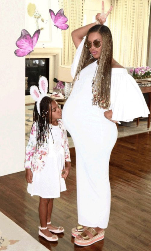 Beyonce_Knowles_Expectant_Mom_and_Family_2
